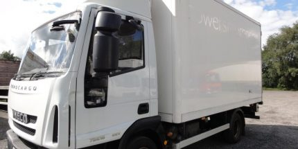 7.5t Iveco meat rail fridge