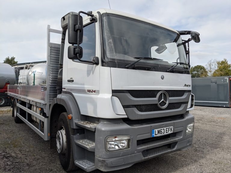 Mercedes 18Ton Scaffold Truck
